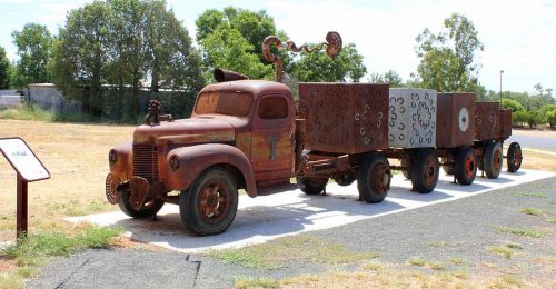 tambo-wool-truck-monument-feature